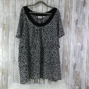 Avenue woman's Size 26/28 blouse